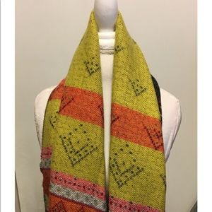 Multi-color and multi-pattern heavy scarf
